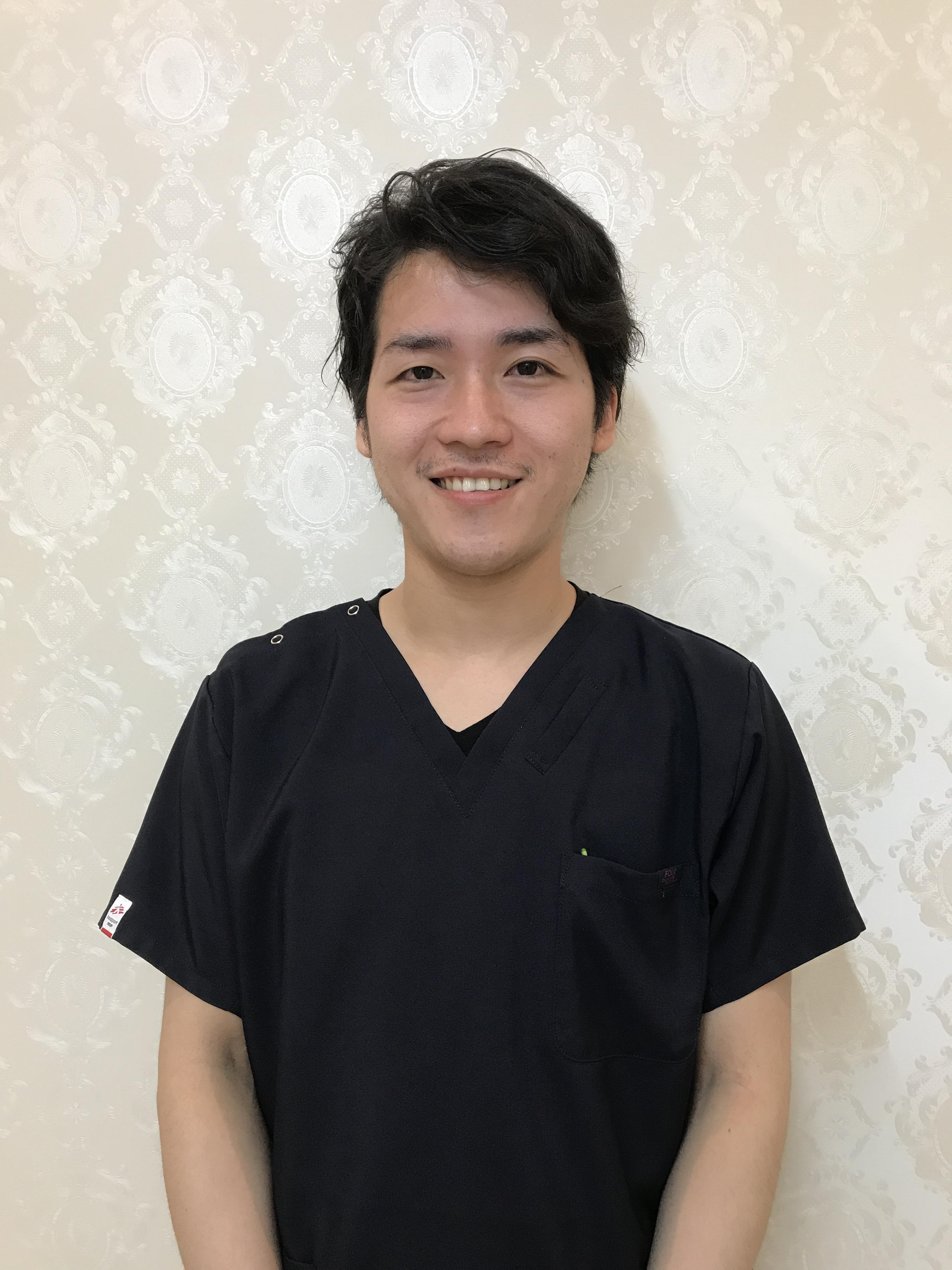 歯科医師 中西 隆之亮